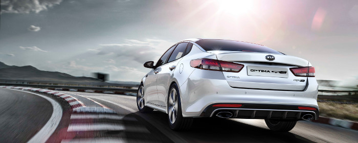 kia_optima_gt_line_my17_outdoor_01_700_2.jpg